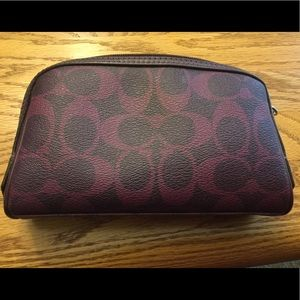 Coach makeup bag, gently used, great condition
